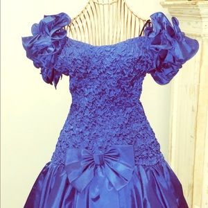Vintage 1980s women prom dress homecoming 7/8